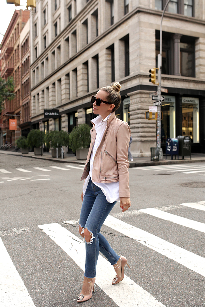 Helena Glazer of Brooklyn Blonde wearing a stylish transitional weather minimal effort outfit, leather jacket, button up, skinny jeans