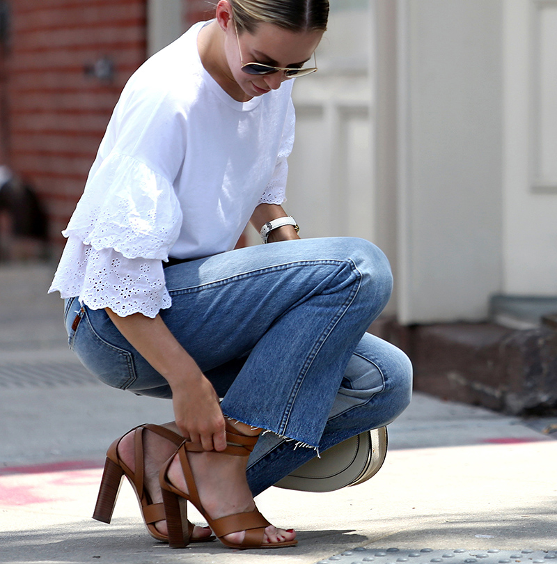 Helena of Brooklyn Blonde wearing Topshop eyelet top, 7FAM denim, Club Monaco shoes, medium Chloe Nile bag