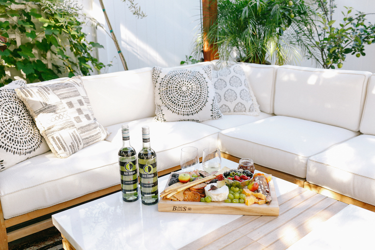 7 Tips For Hosting An Outdoor Party, Ecco Domani Wine, Helena of Brooklyn Blonde