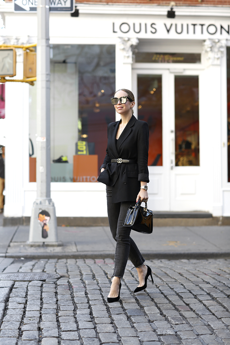 Boyfriend Blazer Outfit, Vintage Chanel Belt, Fall Style, Monochromatic Black Outfit, Helena of Brooklyn Blonde