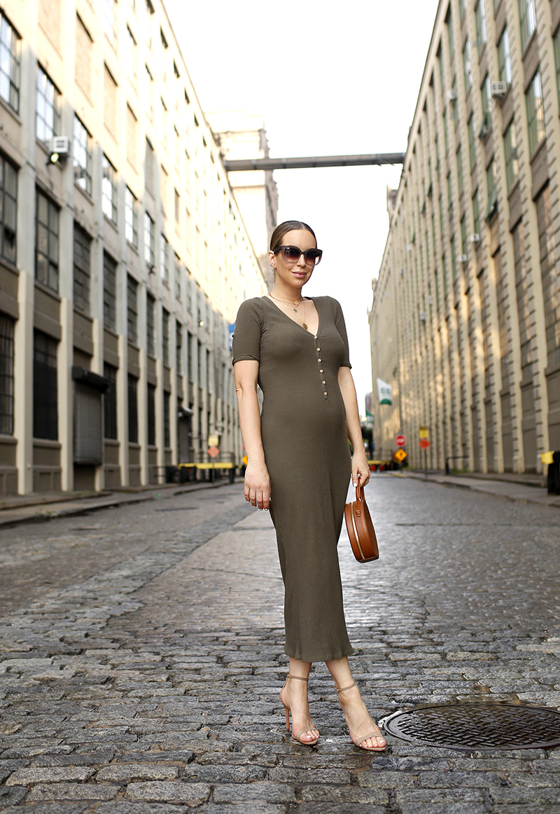 Free People Olive Lulu Henley Midi Dress, Summer Dress Outfit, Schutz Cadey Lee Sandals, Maternity Summer Style, Helena of Brooklyn Blonde