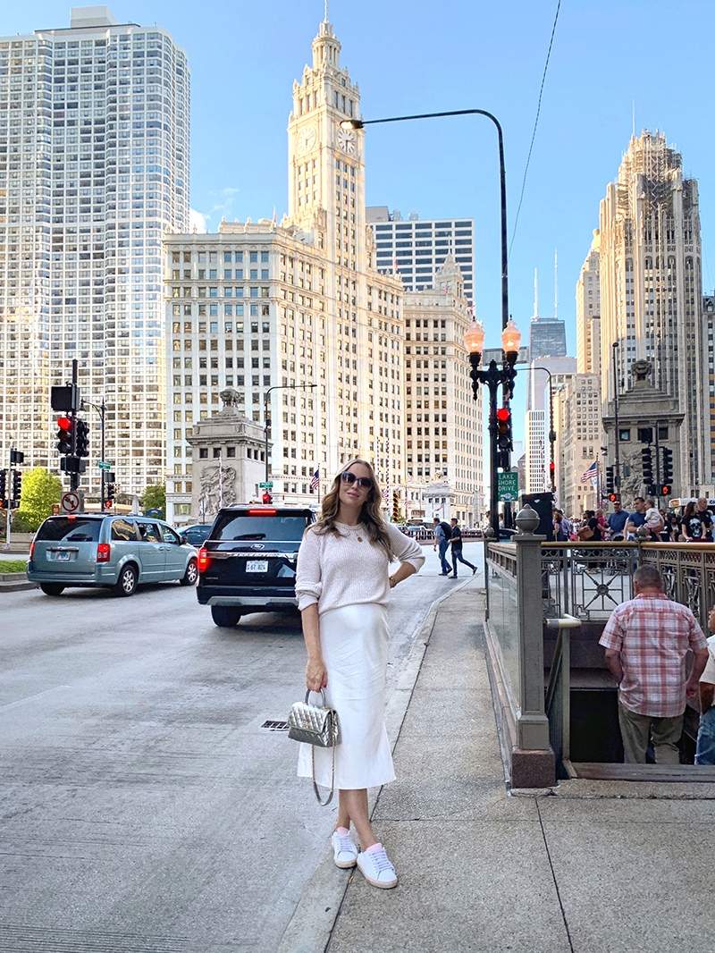 how to spend three days in chicago like this woman in a white outfit