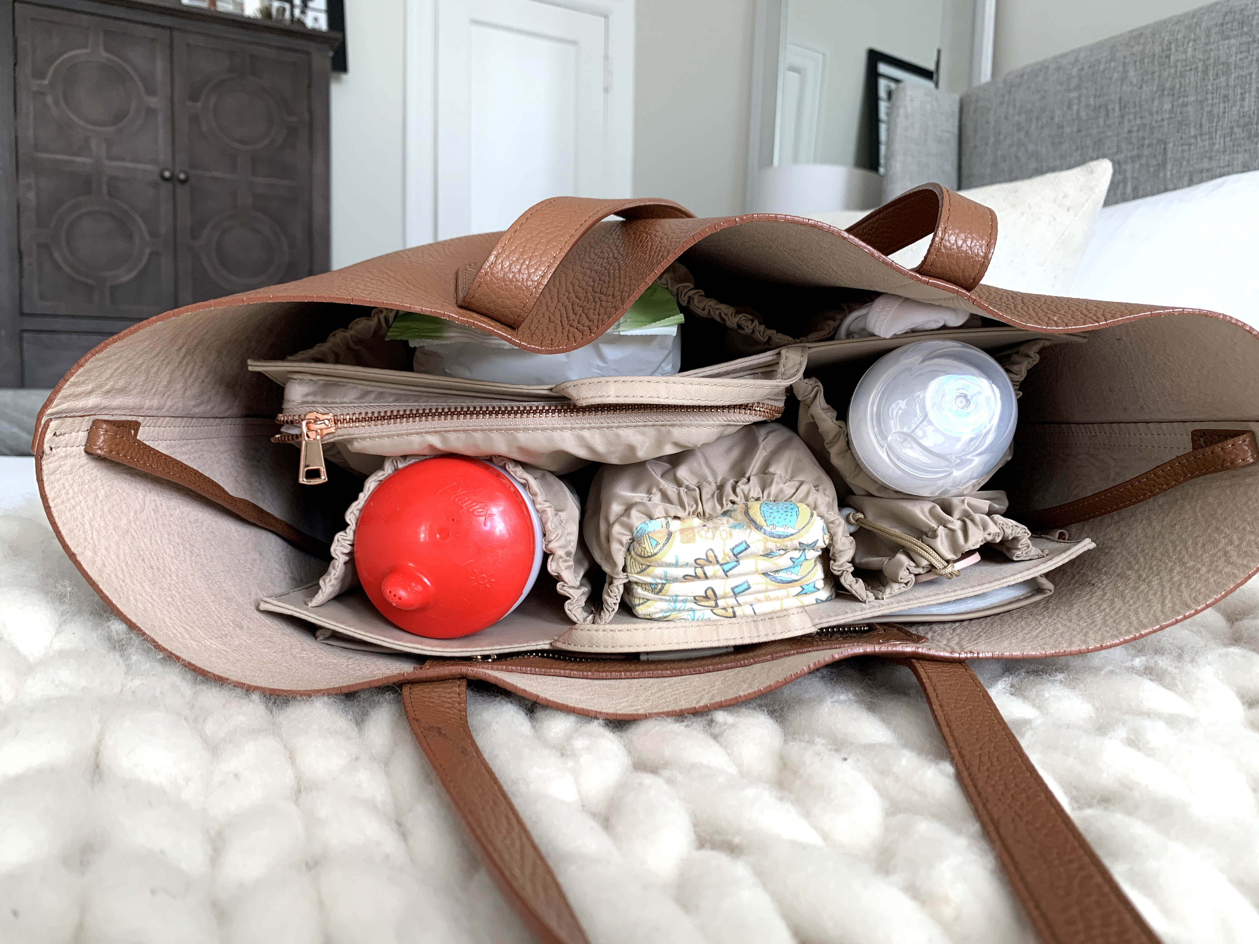 Motherhood Diaper Bag Hack, ToteSavvy Organizer, Helena of Brooklyn Blonde
