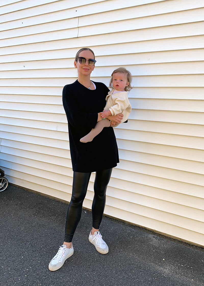 Five Comfy & Chic Mom Outfits, Fall Mom Style, Helena of Brooklyn Blonde